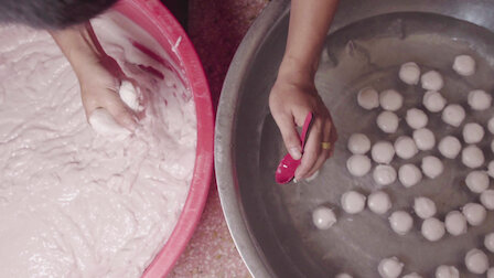 Watch Fish Ball and Wrapped Fish. Episode 17 of Season 1.